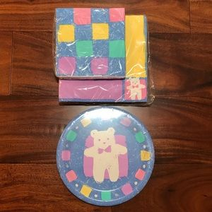 NWT Adorable teddy baby shower party supplies.